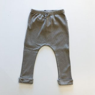 <img class='new_mark_img1' src='https://img.shop-pro.jp/img/new/icons20.gif' style='border:none;display:inline;margin:0px;padding:0px;width:auto;' />1+in the family  / leggings MARTI / KHAKI 24m last one! 30%OFF