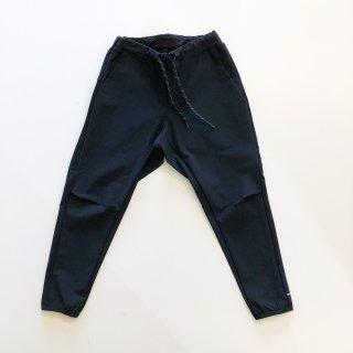 <img class='new_mark_img1' src='https://img.shop-pro.jp/img/new/icons14.gif' style='border:none;display:inline;margin:0px;padding:0px;width:auto;' />MOUN TEN.    Ice stretch pants / black