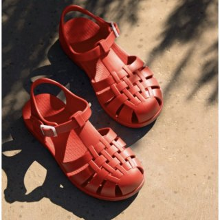 <img class='new_mark_img1' src='https://img.shop-pro.jp/img/new/icons14.gif' style='border:none;display:inline;margin:0px;padding:0px;width:auto;' />TINYCOTTONS  KIDS JELLY SANDALS  / red