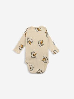 <img class='new_mark_img1' src='https://img.shop-pro.jp/img/new/icons14.gif' style='border:none;display:inline;margin:0px;padding:0px;width:auto;' />BOBO CHOSES  BABY  Birdie All Over body