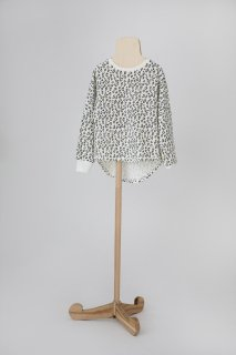 <img class='new_mark_img1' src='https://img.shop-pro.jp/img/new/icons14.gif' style='border:none;display:inline;margin:0px;padding:0px;width:auto;' />folk made  leopard long-T / white leopard print