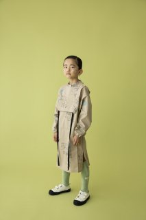 <img class='new_mark_img1' src='https://img.shop-pro.jp/img/new/icons14.gif' style='border:none;display:inline;margin:0px;padding:0px;width:auto;' />folk made  map pattern gilet dress / beige map print