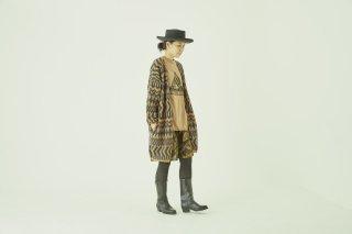 <img class='new_mark_img1' src='https://img.shop-pro.jp/img/new/icons14.gif' style='border:none;display:inline;margin:0px;padding:0px;width:auto;' />eLfin Folk    Folk jaquard knit cardigan 大人サイズ/  camel&charcoal
