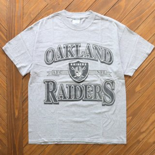 OAKLAND RAIDERS OFFICIAL TEE<img class='new_mark_img2' src='https://img.shop-pro.jp/img/new/icons5.gif' style='border:none;display:inline;margin:0px;padding:0px;width:auto;' />