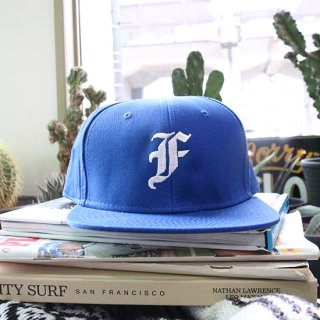 BORN AND RAISED CAP<img class='new_mark_img2' src='https://img.shop-pro.jp/img/new/icons5.gif' style='border:none;display:inline;margin:0px;padding:0px;width:auto;' />