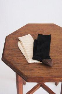 KURI BOTELLA<br>SILK-Rib socks<br>ブラック/アイボリー