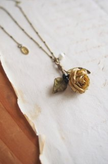 atelier Re-tour<br>classic rose<br>一輪挿しネックレス<br>菜種色