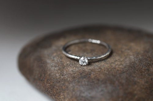 Twig + 0.1ct diamond ring / Pt900