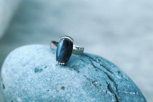 Spectrolite ring / A