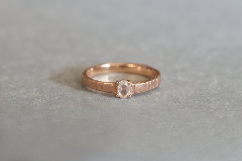 Eon ring + oval rosecut diamond / K18PG
