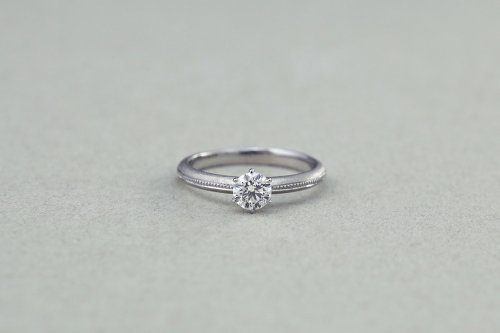 Milgrain ring + 0.3ct diamond / Pt900