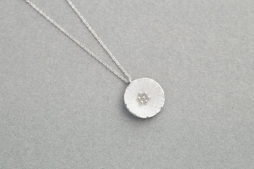 Flower necklace / Silver