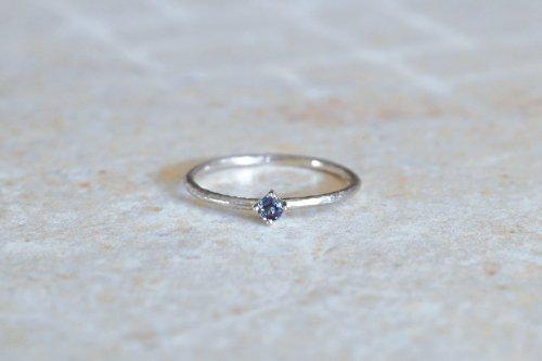Twig + alexandrite ring / Pt900