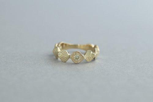 Leaf ring + mint green diamond (milgrain)