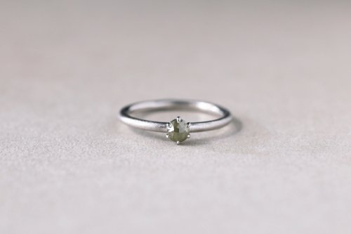 Norme ring + rosecut diamond ( green ) / Pt900