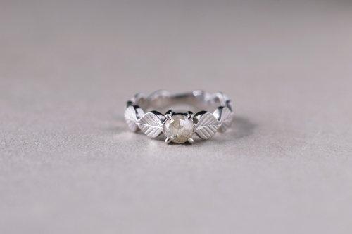 Leaf ring + rosecut diamond ( white )  / Pt900