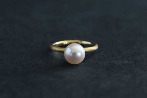 Existence pearl ring / K18