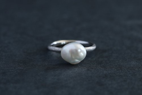 Existence pearl ring / Pt900