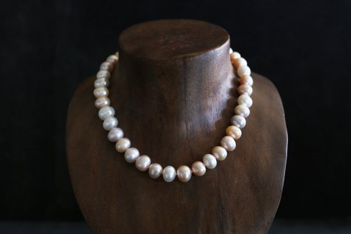 Multi color pearl necklace / special