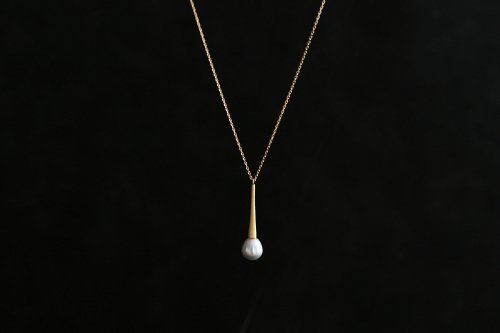 Raindrop color pearl long necklace