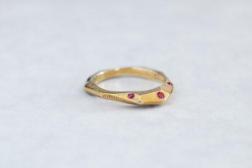 Rough cut ruby ring