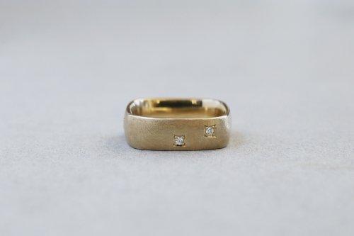 Syami ring ( dot )