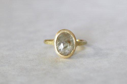 Coat gray sapphire ring