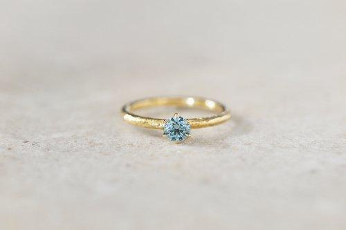 Twig + Ice blue diamond ring / K18