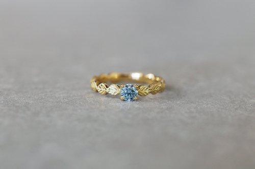 Leaf little ring + Ice blue diamond / K18