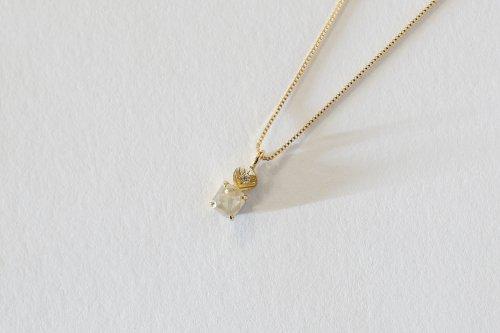 Leaf necklace + ice color square cut diamond