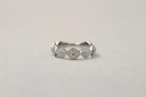 Leaf milgrain ring + diamond ( mint green ) / Pt900