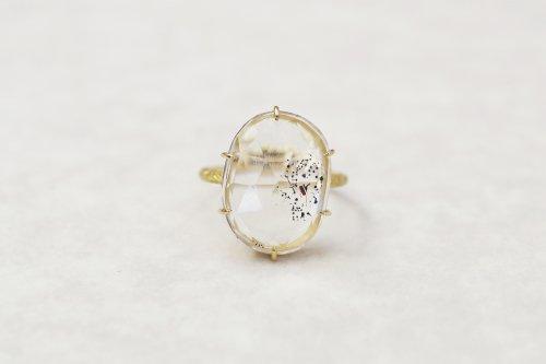Coat mica in-quartz ring