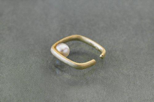 Syami ear cuff + pearl / K18