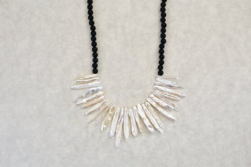 Onyx & Stick pearl combination necklace
