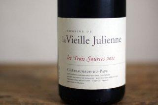 シャトーヌフデュパプ レ・トワ・ソース 2011 / ヴィエイユ ジュリアン (Chateauneuf du Pape les Trois Sources Vieille Julienne)