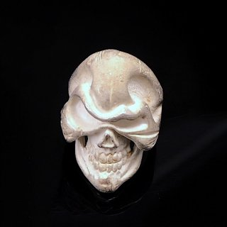 Bossニヒル Bleached bone リング