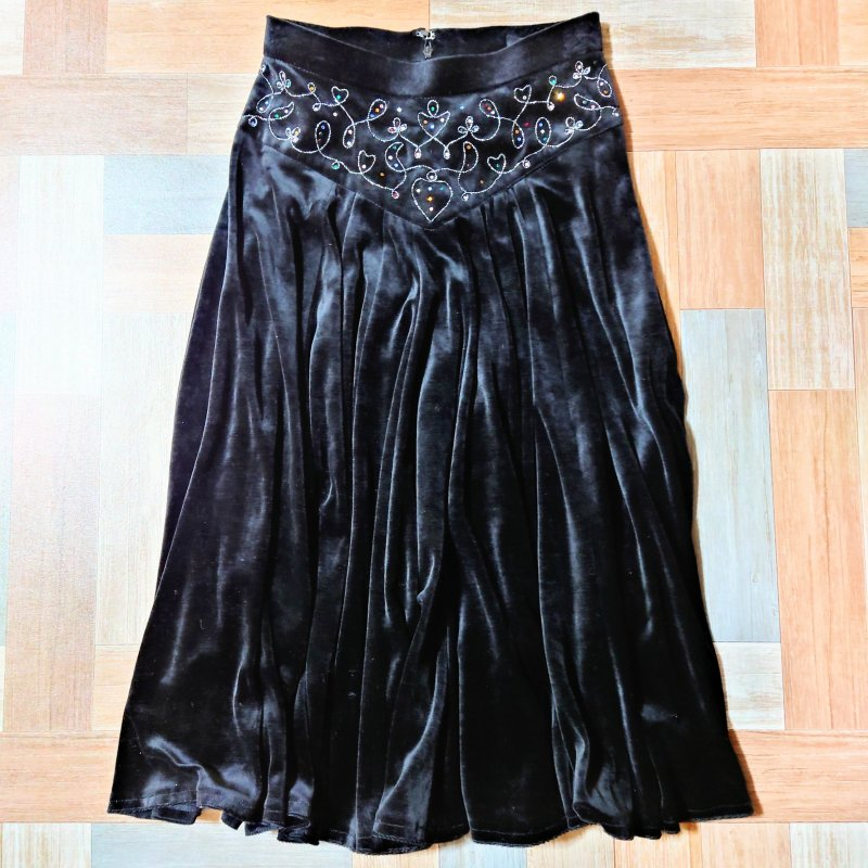 90's Vintage 伊太利屋 ベロア ラインストーン装飾 スカート ブラック (レディース古着)