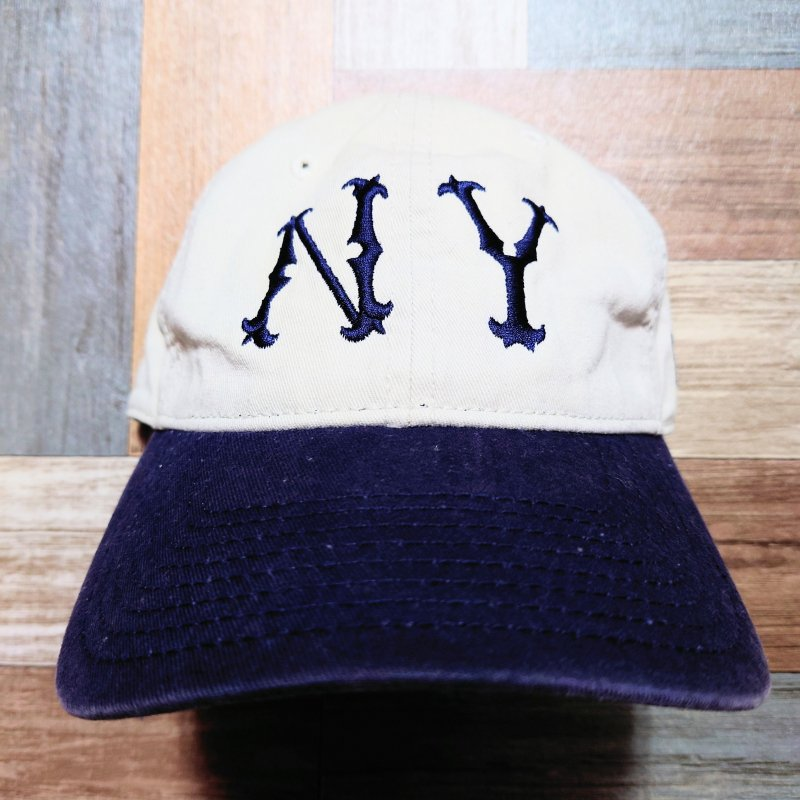 <img class='new_mark_img1' src='https://img.shop-pro.jp/img/new/icons7.gif' style='border:none;display:inline;margin:0px;padding:0px;width:auto;' />NEW ERA COOPERSTOWN バイカラー NY ベースボール キャップ オフホワイト×ネイビー (USED&VINTAGE)