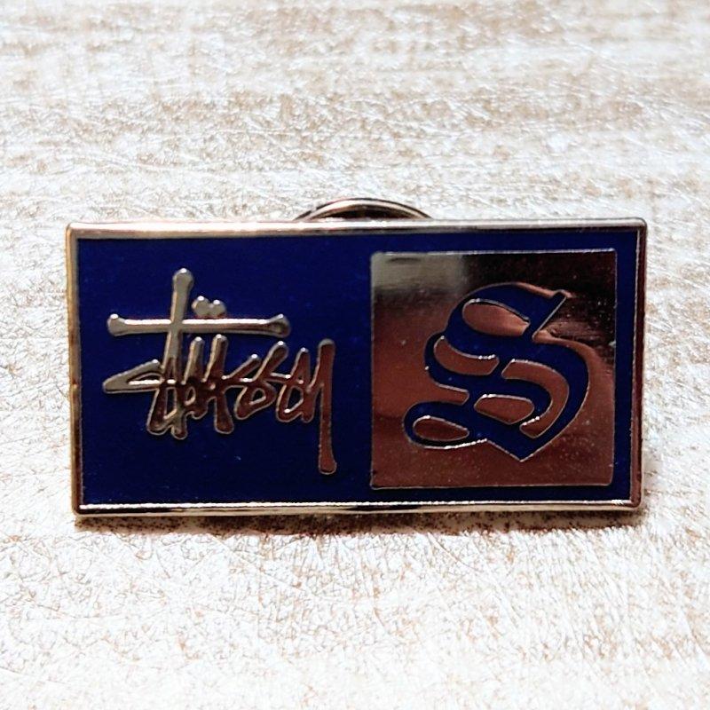 STUSSY ロゴ ピンバッジ (USED&VINTAGE)