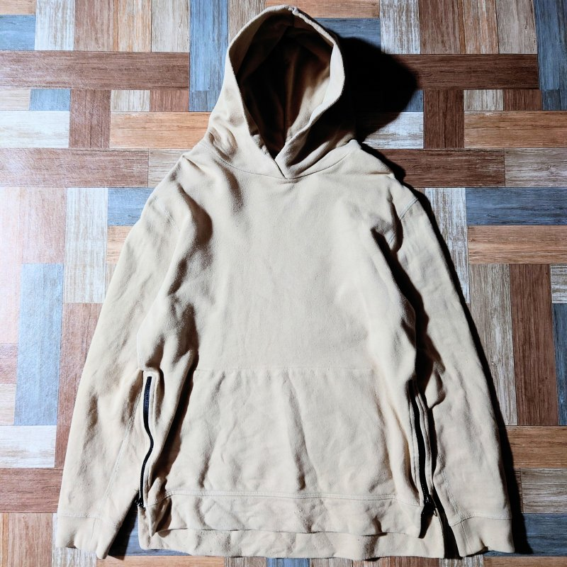 <img class='new_mark_img1' src='https://img.shop-pro.jp/img/new/icons12.gif' style='border:none;display:inline;margin:0px;padding:0px;width:auto;' />JOHN ELLIOTT HOODED VILLAIN サイドジップ パーカー ベージュ (メンズ古着)
