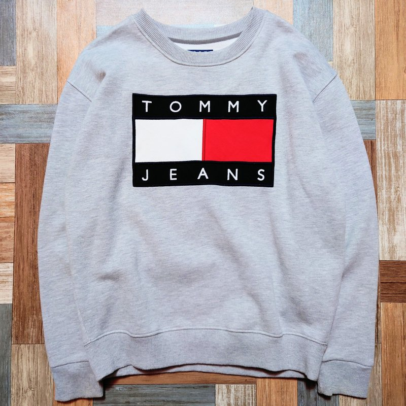 TOMMY JEANS ロゴ スウェット 杢グレー (メンズ古着)