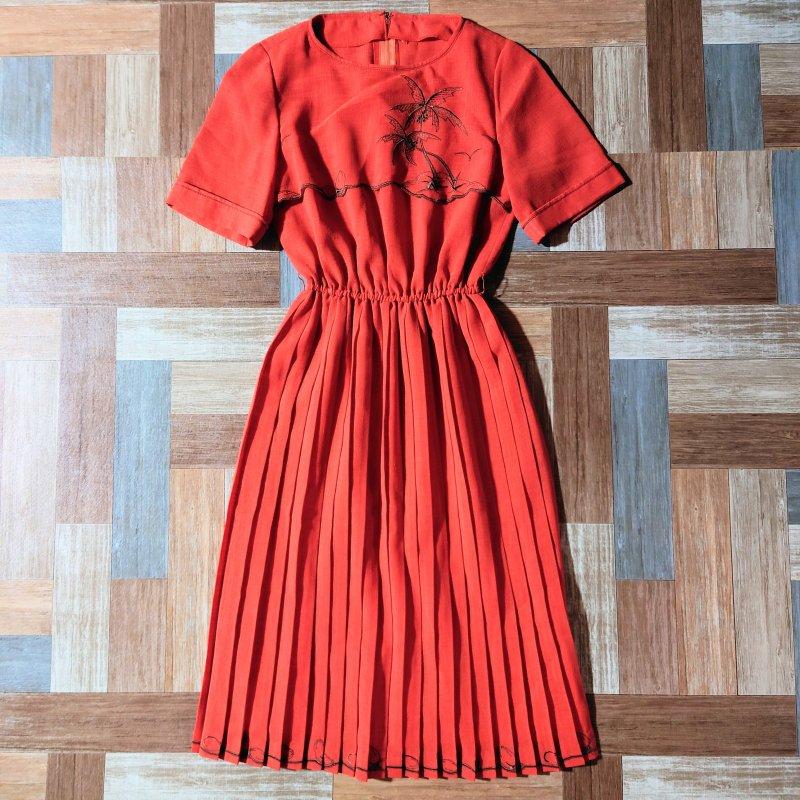 刺繍 プリーツ ワンピース 橙色 (レディース古着)