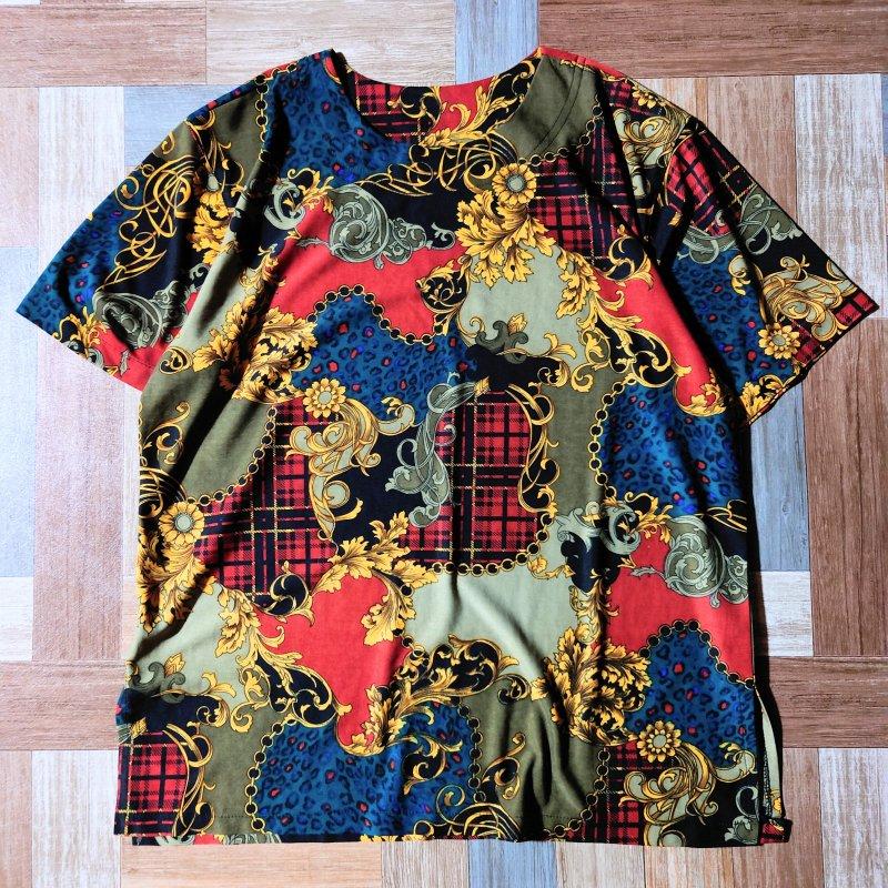 スカーフ柄 Tシャツ (レディース古着)