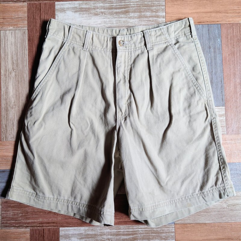 <img class='new_mark_img1' src='https://img.shop-pro.jp/img/new/icons14.gif' style='border:none;display:inline;margin:0px;padding:0px;width:auto;' />90's L.L.Bean USA製 タック チノ ショーツ ベージュ (メンズ古着)