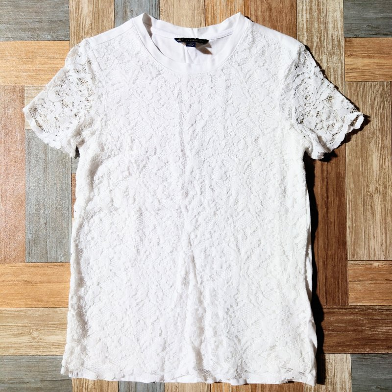 <img class='new_mark_img1' src='https://img.shop-pro.jp/img/new/icons11.gif' style='border:none;display:inline;margin:0px;padding:0px;width:auto;' />Brooks Brothers レース Tシャツ (レディース古着)