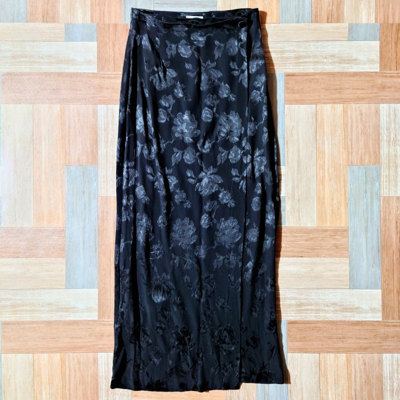 Vintage laura ashley イギリス製 花柄 スカート ブラック (レディース古着)