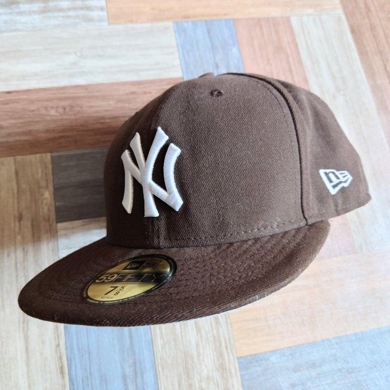 NEW ERA ヤンキース ベースボール キャップ ブラウン (USED&VINTAGE)
