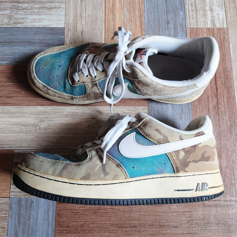 <img class='new_mark_img1' src='https://img.shop-pro.jp/img/new/icons6.gif' style='border:none;display:inline;margin:0px;padding:0px;width:auto;' />NIKE AIR FORCE 1 LOW 07 LV8 カモ×ネビュラ (メンズ古着)
