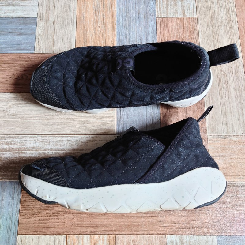 <img class='new_mark_img1' src='https://img.shop-pro.jp/img/new/icons6.gif' style='border:none;display:inline;margin:0px;padding:0px;width:auto;' />NIKE ACG MOC 3.0 LEATHER ブラック (メンズ古着)