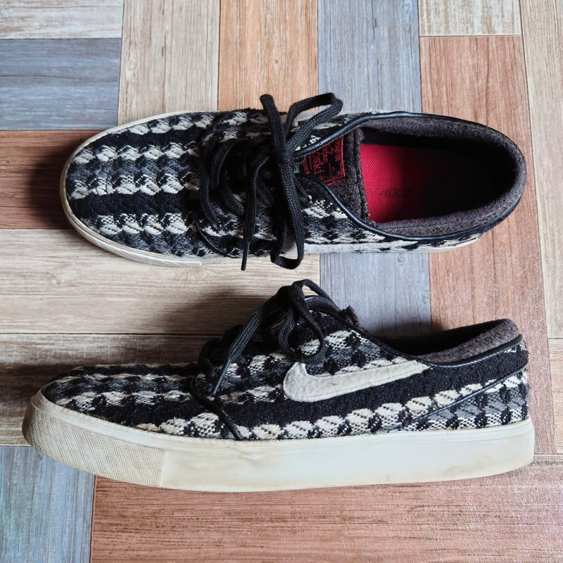 <img class='new_mark_img1' src='https://img.shop-pro.jp/img/new/icons6.gif' style='border:none;display:inline;margin:0px;padding:0px;width:auto;' />NIKE Stefan Janoski Warmth (メンズ古着)